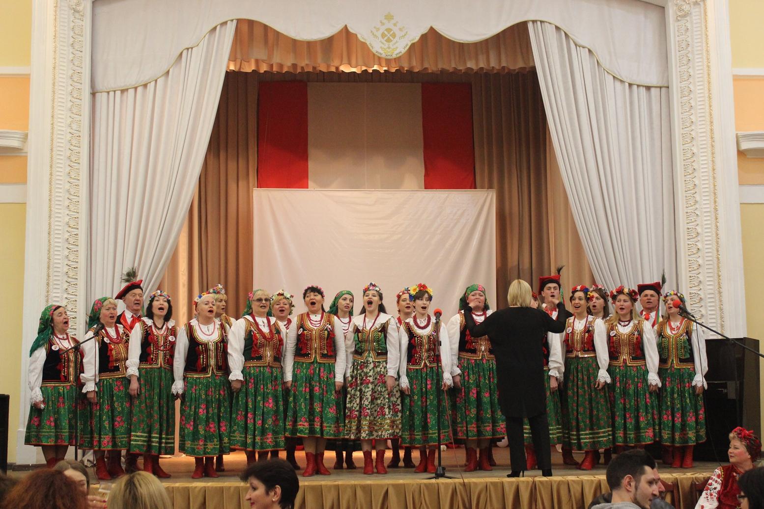 На Дні народженні Одеського козацького народного хора » Козацьке коло».